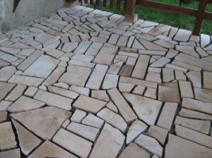 Placare-cu-piatra-naturala-terasa-1